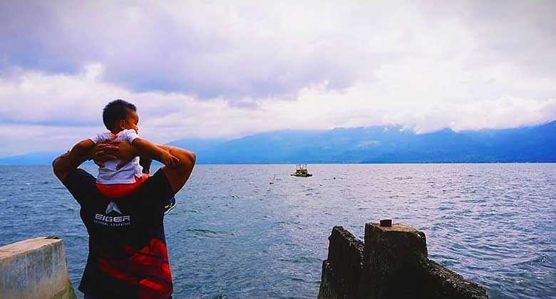 Kedamaian-di-Danau-Singkarak-New