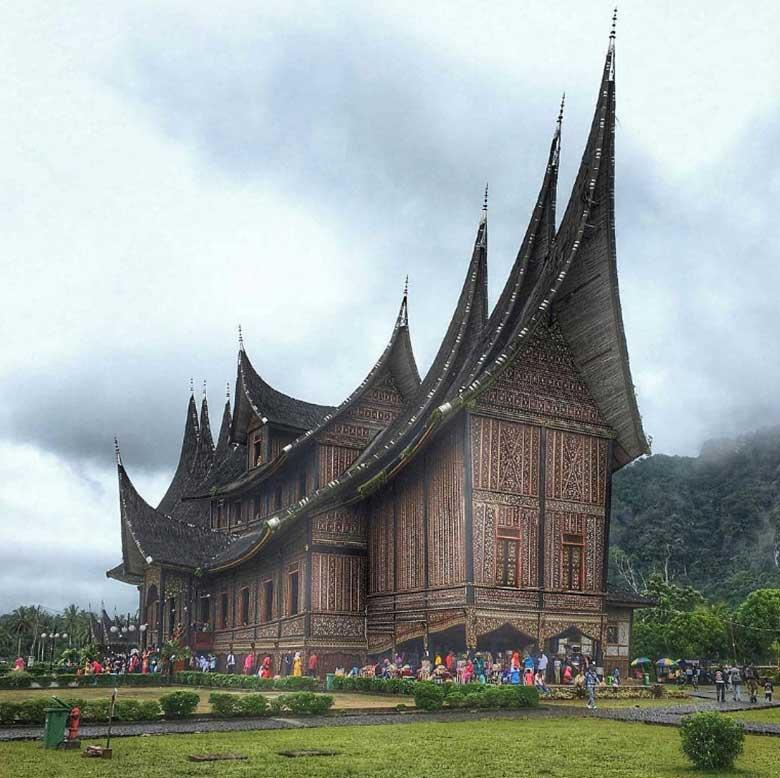 Megahnya Istana Pagaruyung
