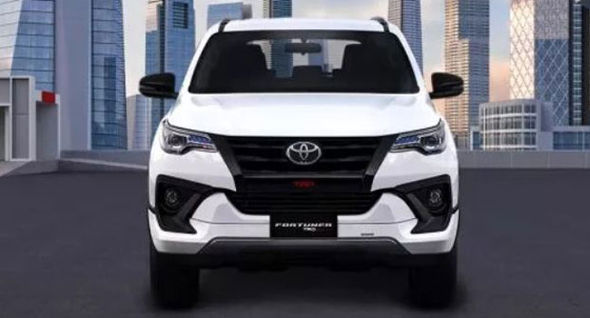 rental fortuner padang
