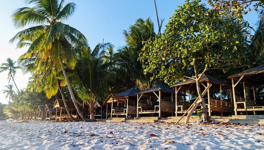 Keindahan Pantai Nirwana