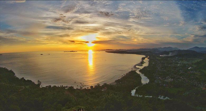 Sunset-di-Bukit-Langkisau