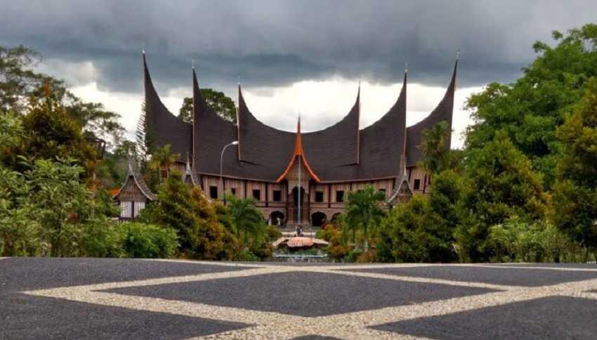 Mifan Waterpark dan Resort, Terlengkap Dan Terbesar di Sumatera