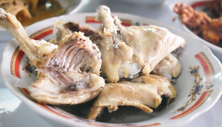 Kuliner Ayam Pop Padang