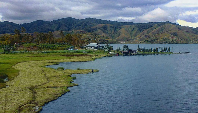 Danau Kembar Sumatera Barat