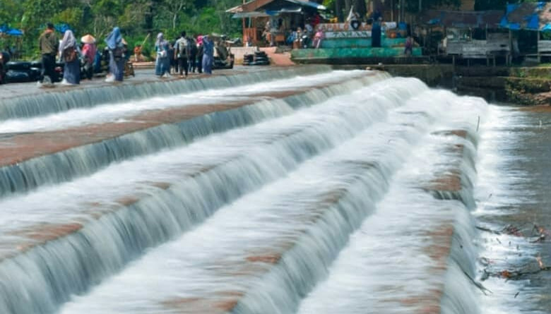 Air Terjun Kapalo Banda Koto Hilalang