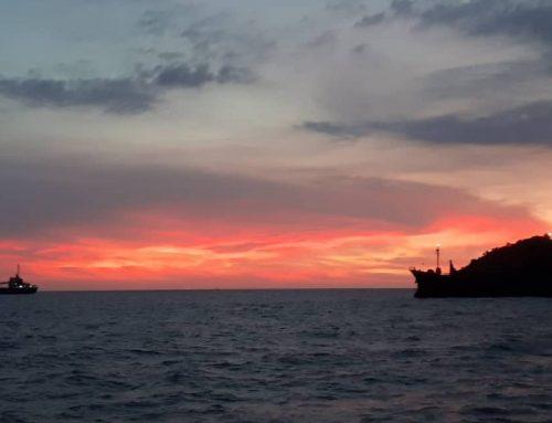 Melihat Senja di 10 Tempat Wisata Padang yang Instagramable